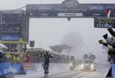Tirreno Adriatico: Quintana sotto la neve