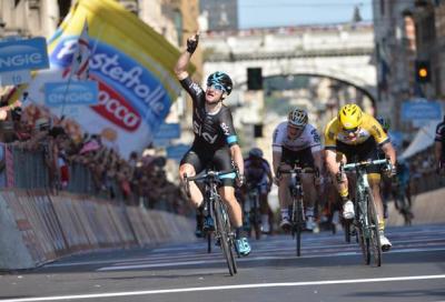 Giro d'Italia: Viviani vola
