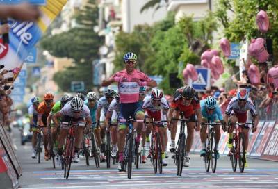 Giro d'Italia: Matthews vince in rosa
