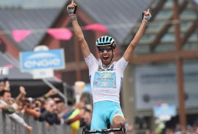 Giro: Aru vince anche a Sestriere