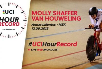 Van Houweling new women's Uci hour record