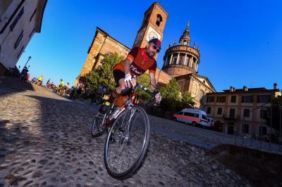 Monsterrato, il ciclismo si tinge di rosso rubino... nella terra del Barbera