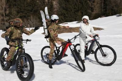 Ebike delle nevi, la rivoluzione a due ruote degli Alpini