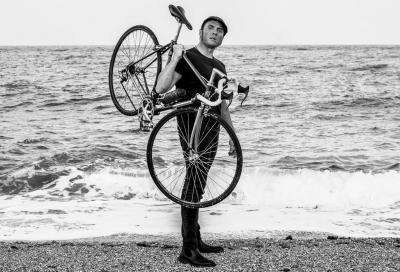 Sui pedali del mantice. Il viaggio in bicicletta del baritono Giacomo Medici