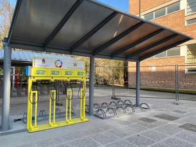 Venezia, svolta green: nelle scuole parcheggi con ricarica per le biciclette elettriche