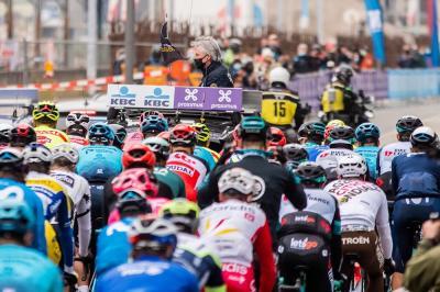 Giro delle Fiandre all'insuperabile Kasper Asgreen