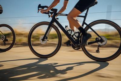 """Cervélo Áspero-5, la bici da """"ghiaia"""" per andare a tutta velocità"""