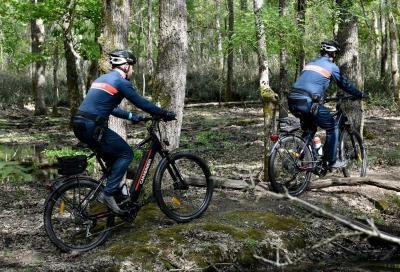 Ciclismo e sicurezza. Anche i Carabinieri usano le e-bike
