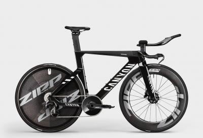Canyon al Giro d'Italia con la super bici da cronometro Speedmax CFR TT Disc