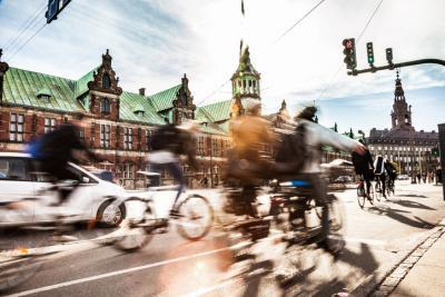 Le città uccidono. Bicicletta e cammino posso ridurre le patologie. L'appello ai sindaci