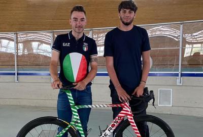 Cuore tricolore. Bicicletta De Rosa speciale per le Olimpiadi di Elia Viviani