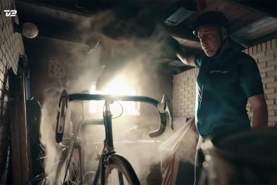 Arriva il Tour: non c'è niente di male nell'esaltarsi un po', almeno secondo questa ironica pubblicità danese