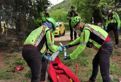 Cade in un burrone in bici, soccorso dopo quasi 12 ore