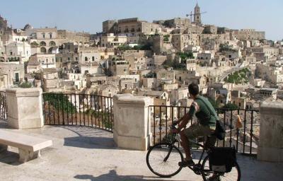 Basilicata a misura di ciclista. Ora c'è una app per il cicloturismo