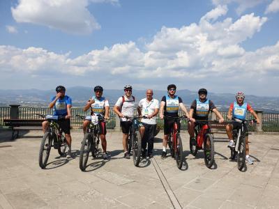 La ciclovia più lunga d'Italia è tra gli Appennini. Scoprite Appennino Bike Tour