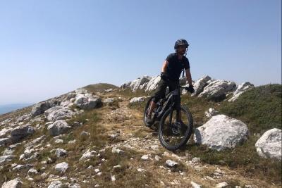 """Ascesa alla vetta del Monte Nuria, tra esplorazione e qualche tratto """"a spinta"""""""