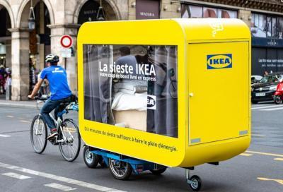 Le biciclette di Ikea con la capsula per fare il pisolino in strada