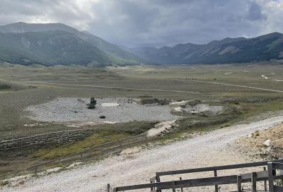 Nel paradiso degli sciatori, prima che arrivi la neve: ascesa al monte Magnola in mtb