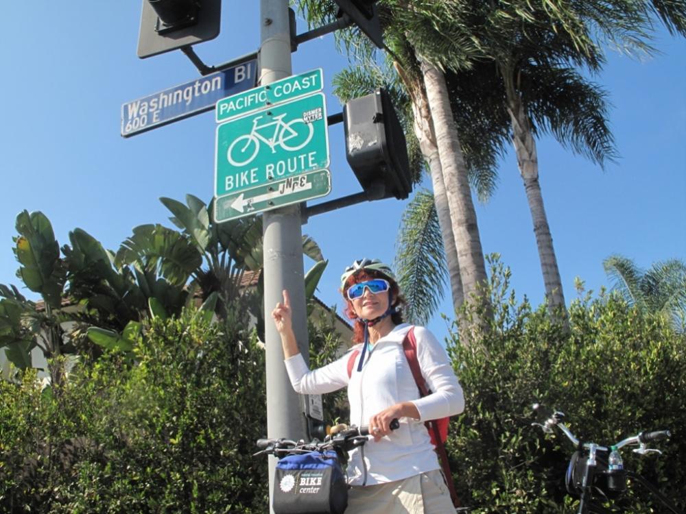 Le indicazioni per la ciclabile sulla Pacific coast